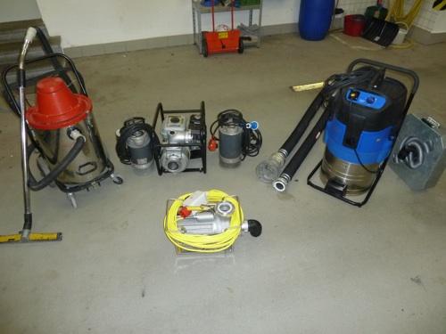 Wassersauger-und-Pumpen